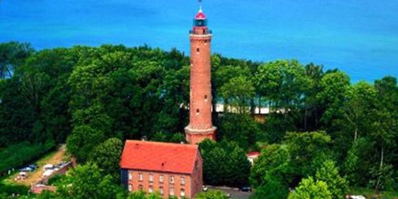 Atrakcje turystyczne, Latarnia Morska, Domki letniskowe, Sarbinowo