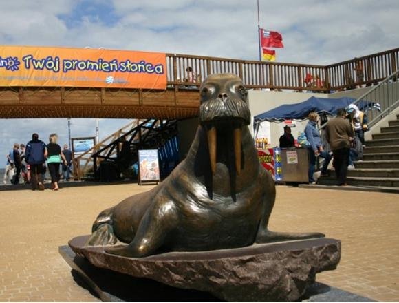 Pomnik Morświna, Atrakcje turystyczne, Sarbinowo