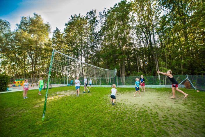 Gra w siatkówkę, wczasy nad morzem domki, Sarbinowo